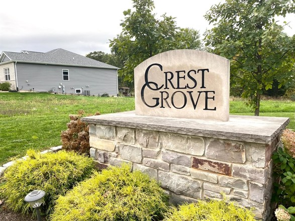 Lot In Crown Point