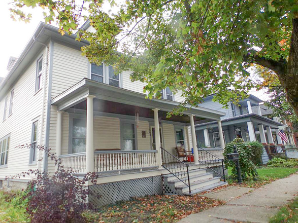 Upgraded 7-Bedroom House In Waverly