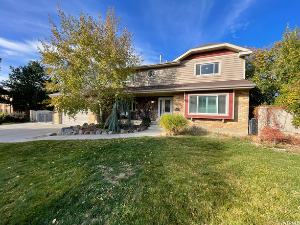 Updated 5-Bedroom House In Alta High