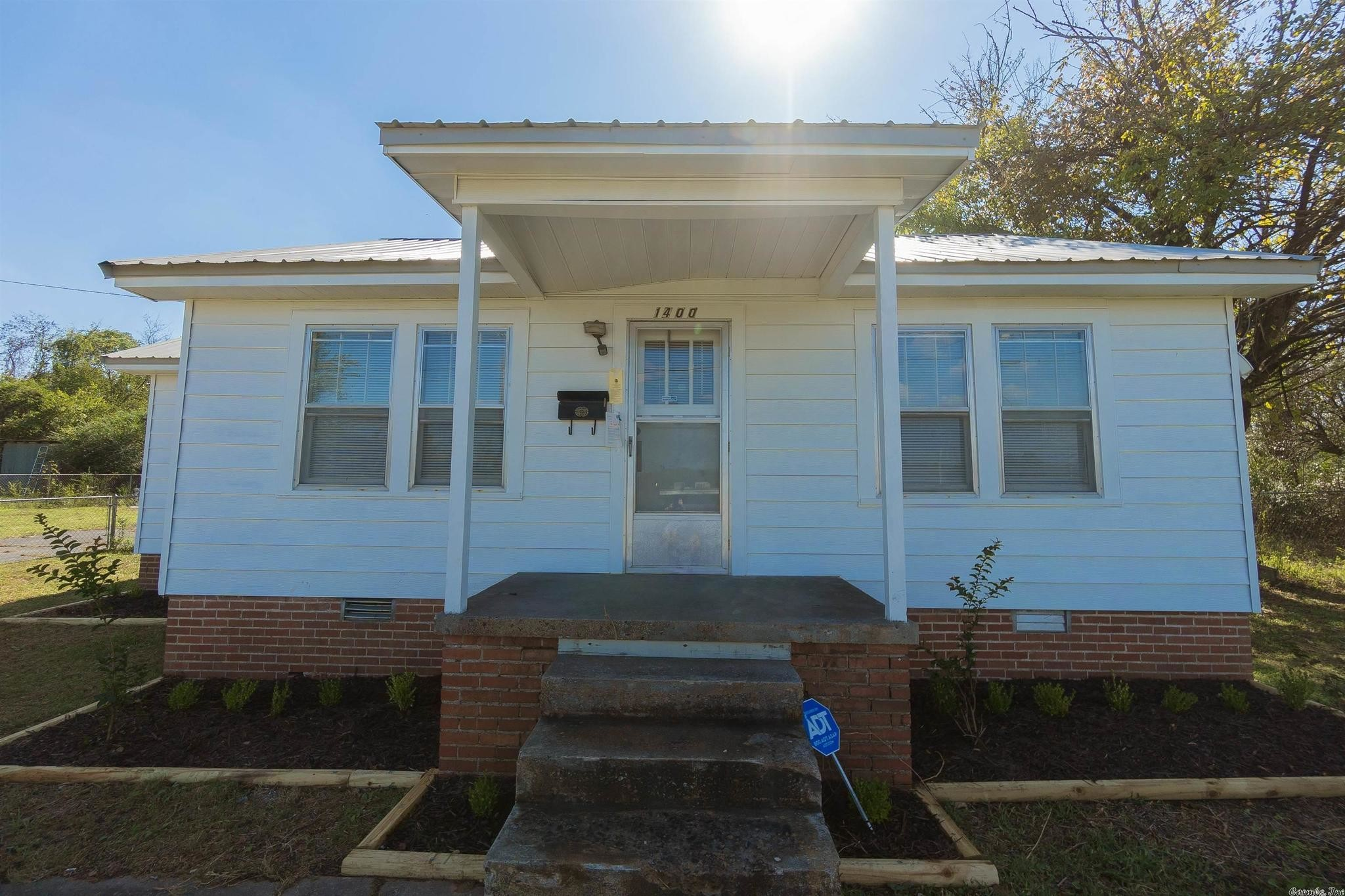 Remodeled 3-Bedroom House In Levy