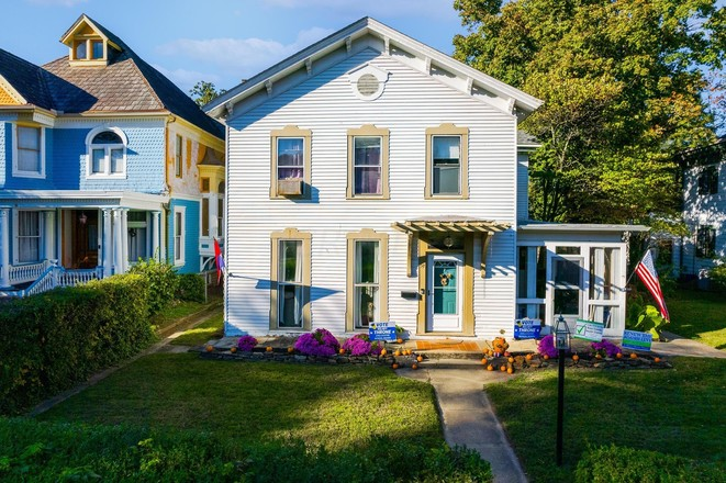 Renovated 4-Bedroom House In Chillicothe