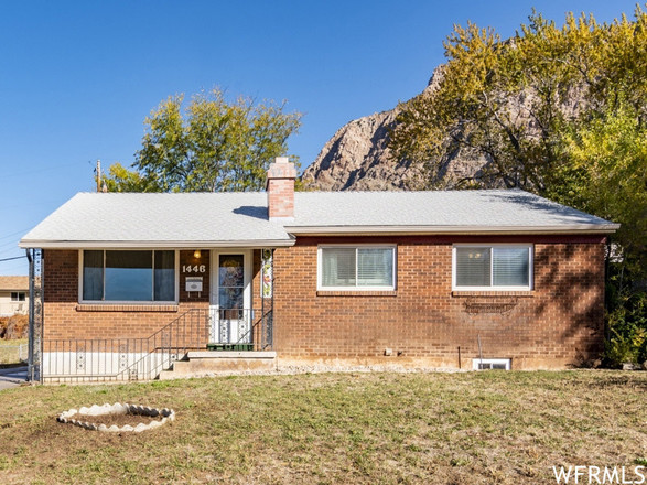 Updated 4-Bedroom House In Horace Mann