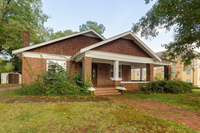 Updated 3-Bedroom House In Florence