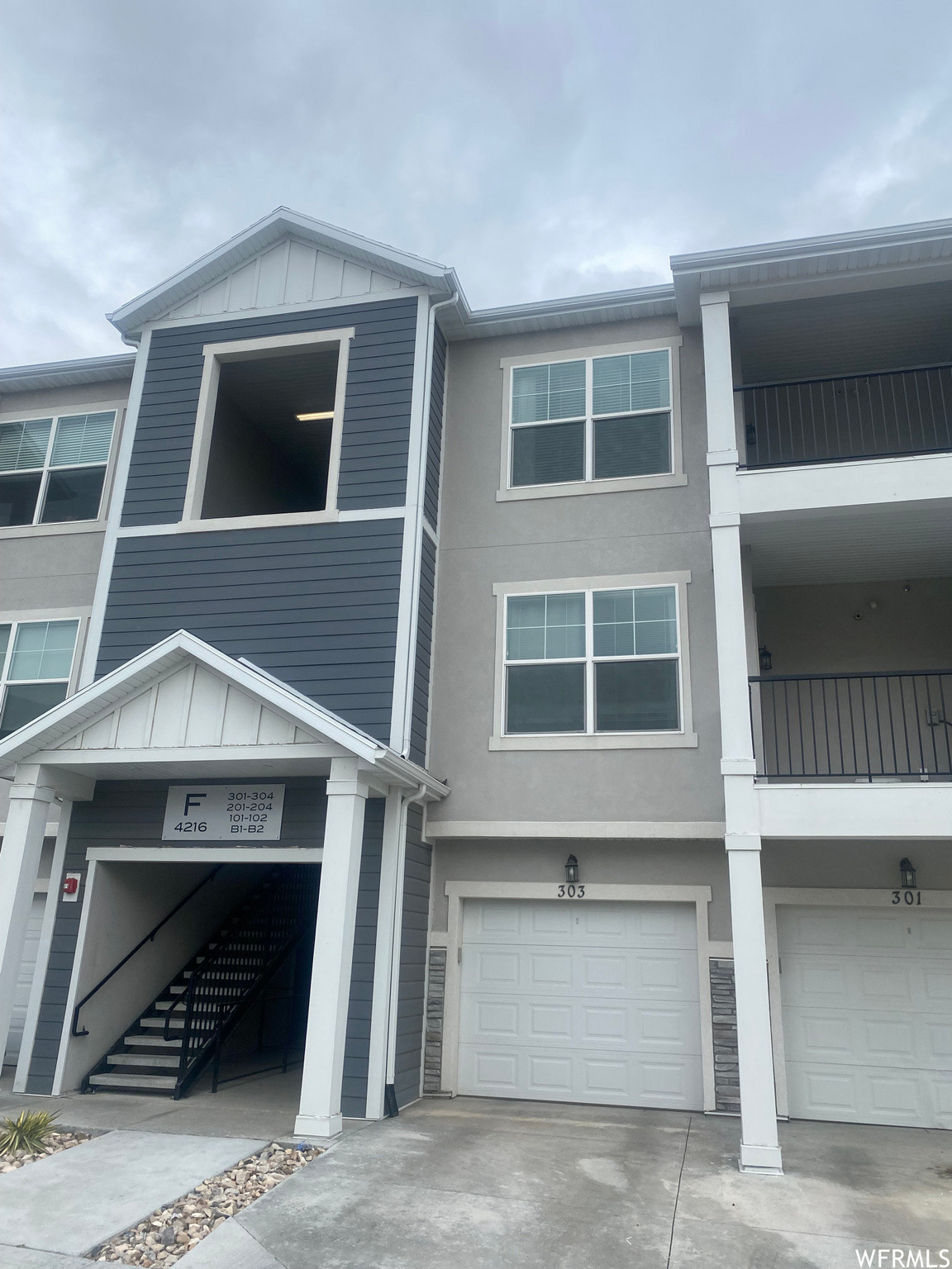 Upgraded 3-Bedroom Condo In Mountain View