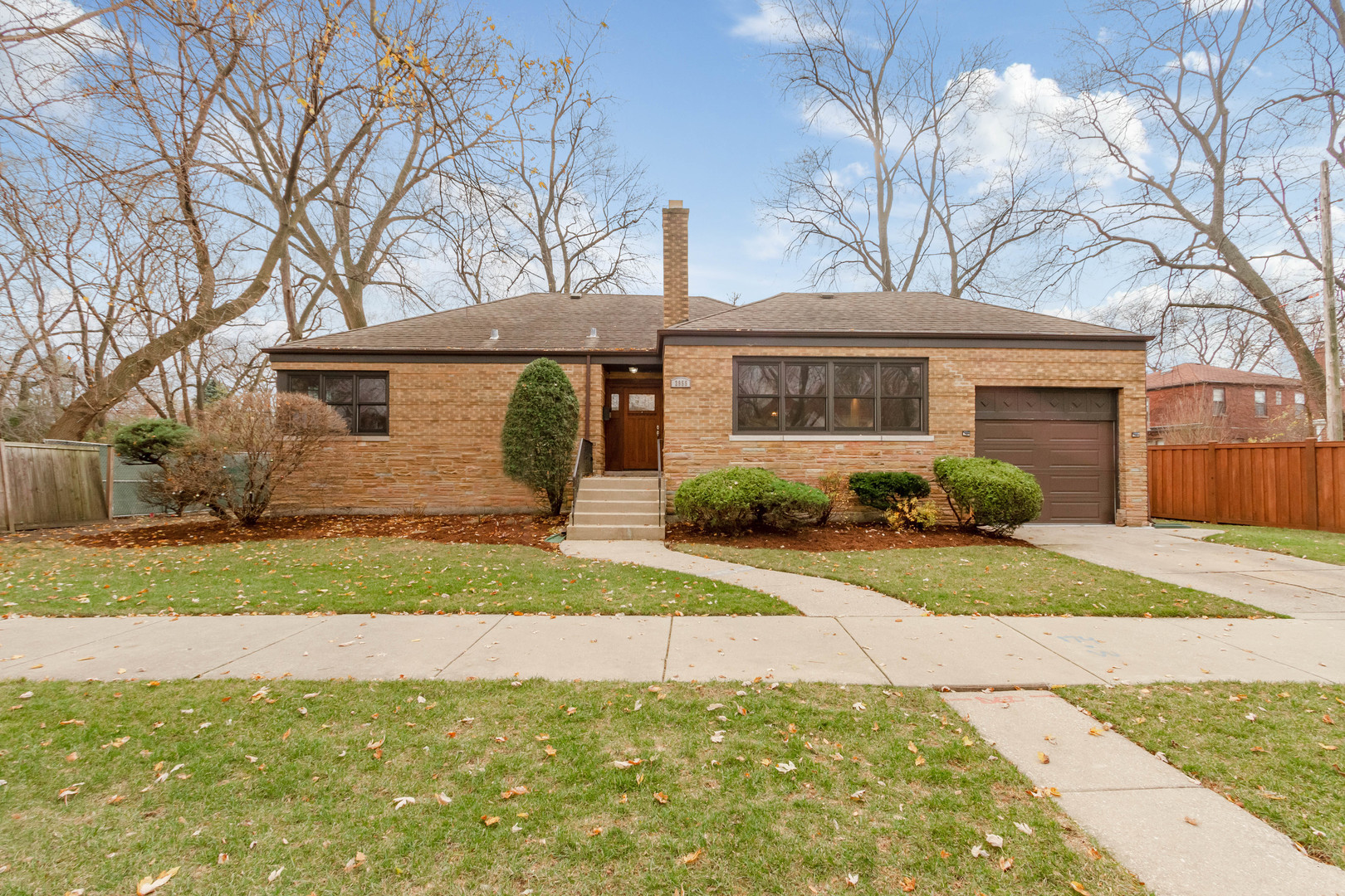 Updated 3-Bedroom House In Lincoln Square