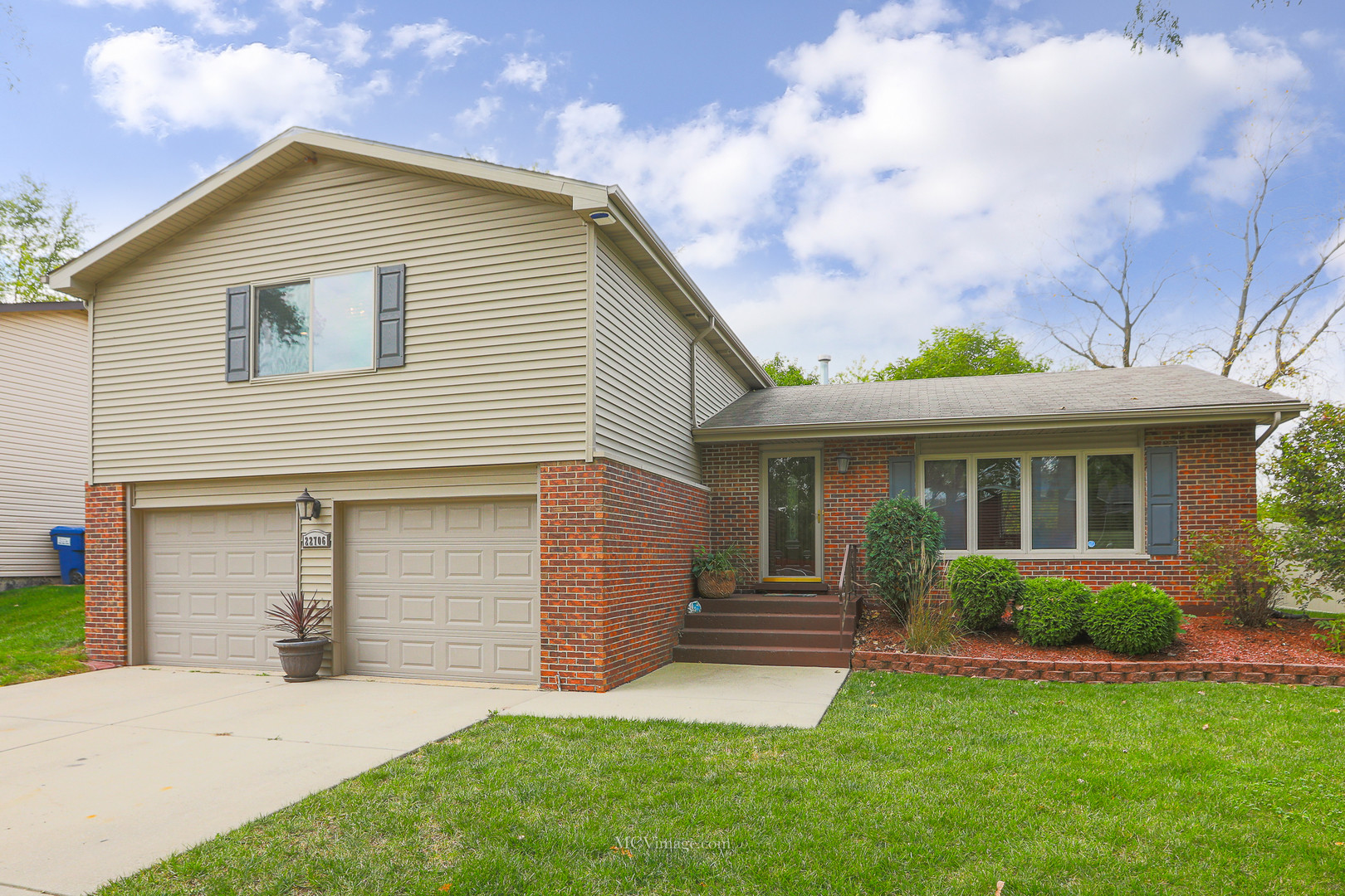Updated 4-Bedroom House In Richton Park