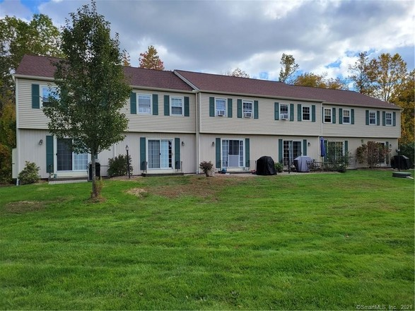 Townhouse In Brookfield