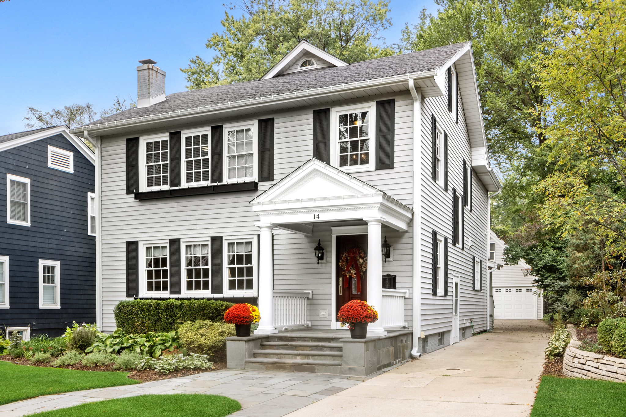 Refinished 4-Bedroom House In Downtown Hinsdale