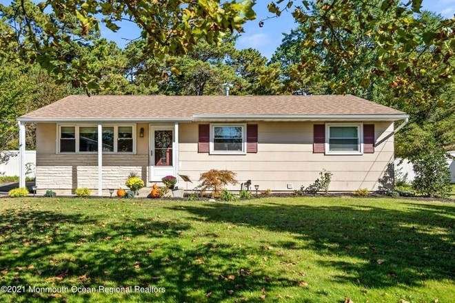 Upgraded 3-Bedroom House In Toms River