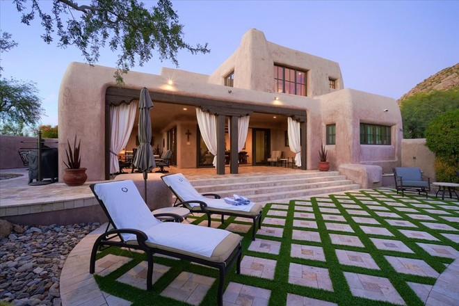 Sophisticated 4-Bedroom House In Reatta Pass Troon
