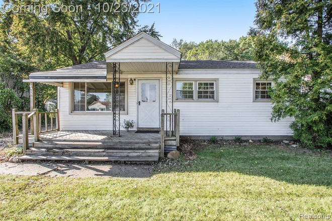 Updated 3-Bedroom House In Troy