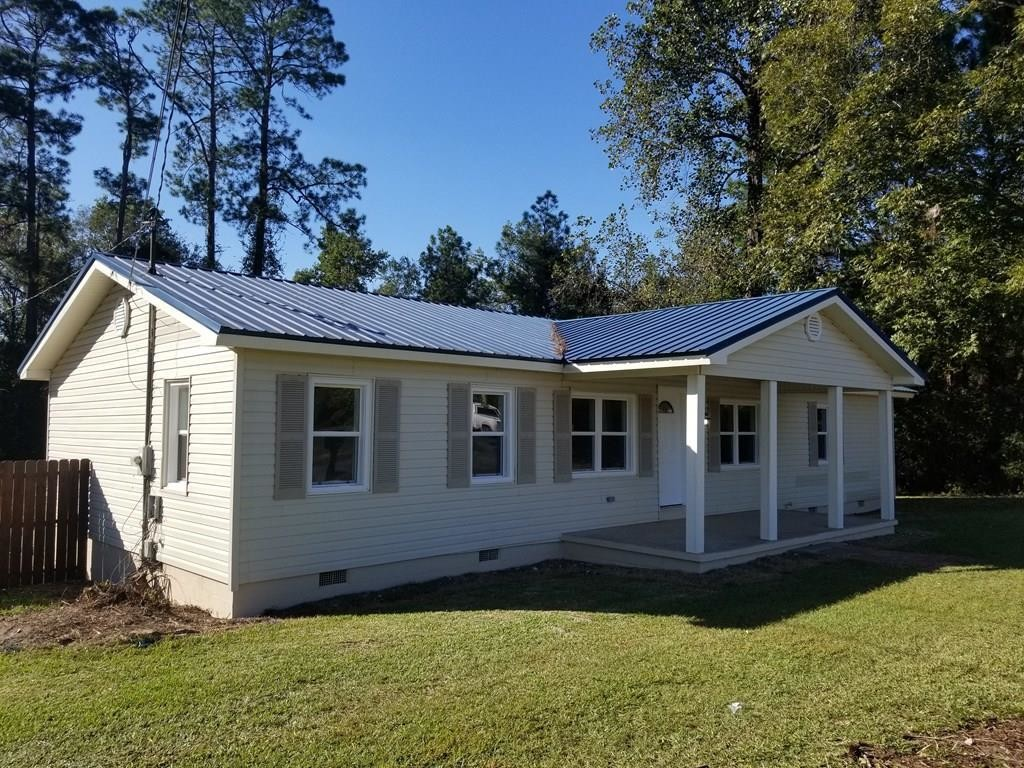 Updated 3-Bedroom House In Sylvester