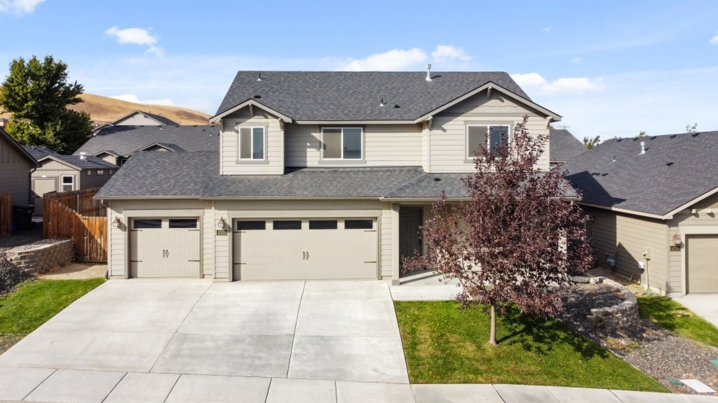 House In Highland Heights Ranch