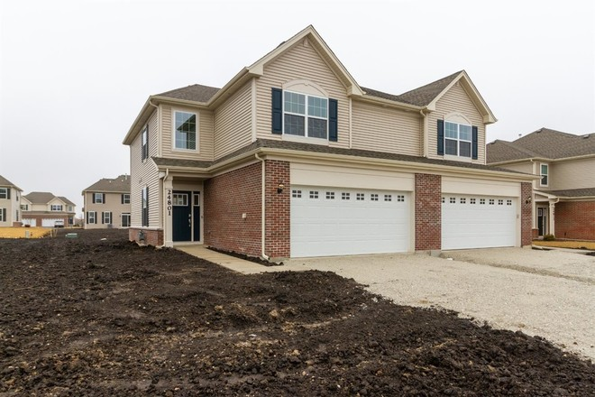 2-Story Multi-Family Home In Crown Point