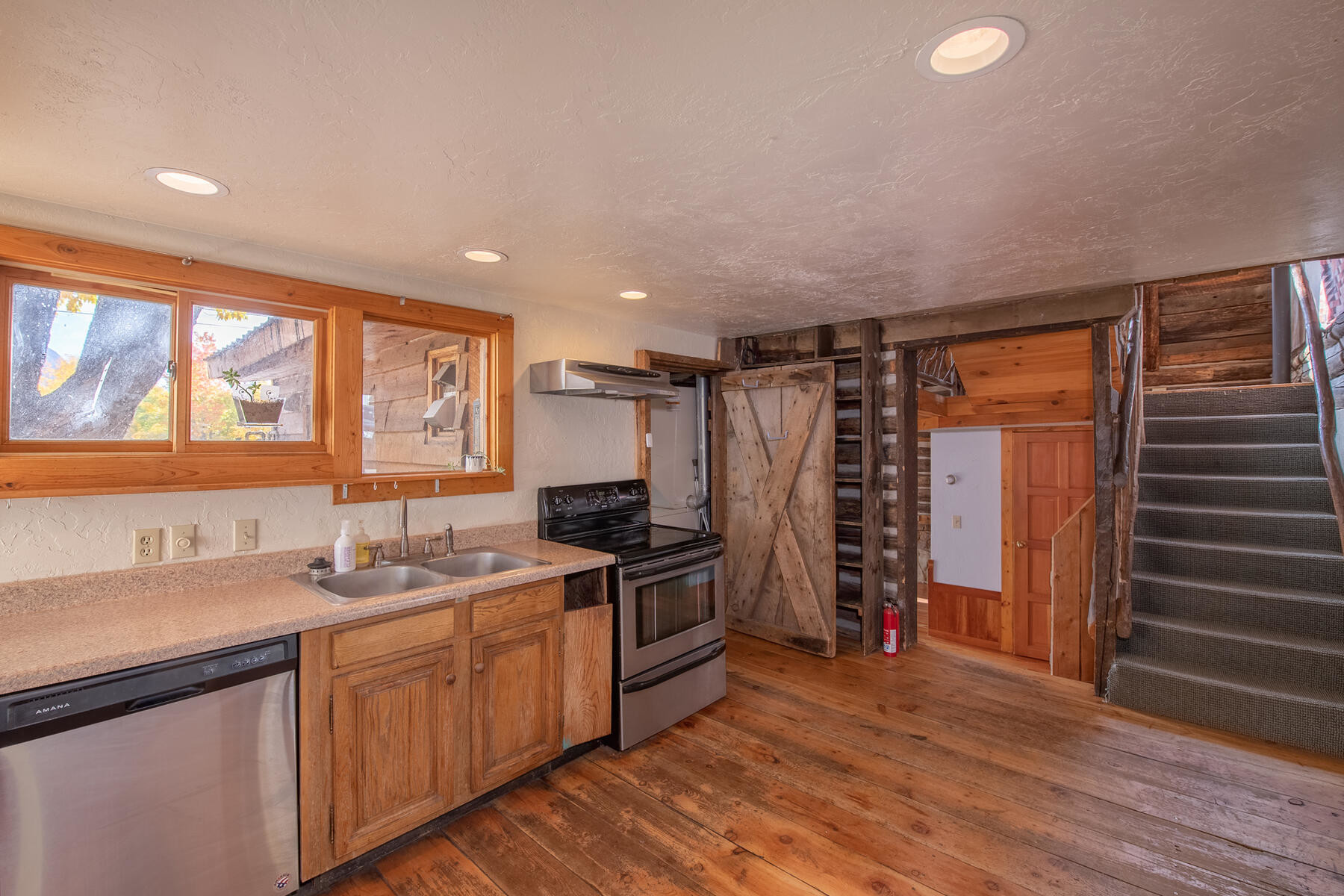 Reclaimed 2-Bedroom House In Crested Butte
