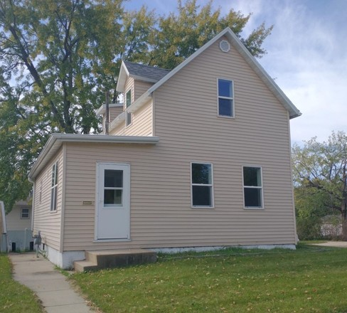 Updated 2-Bedroom House In New Ulm