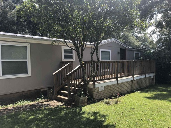 Updated 3-Bedroom MANUFACTURED In Chaires