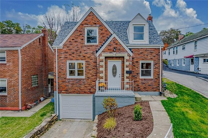 Renovated 3-Bedroom House In Brentwood