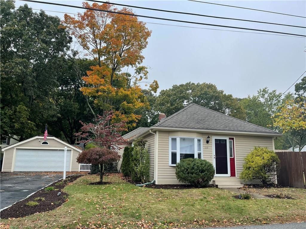 Renovated 2-Bedroom House In Buttonwoods