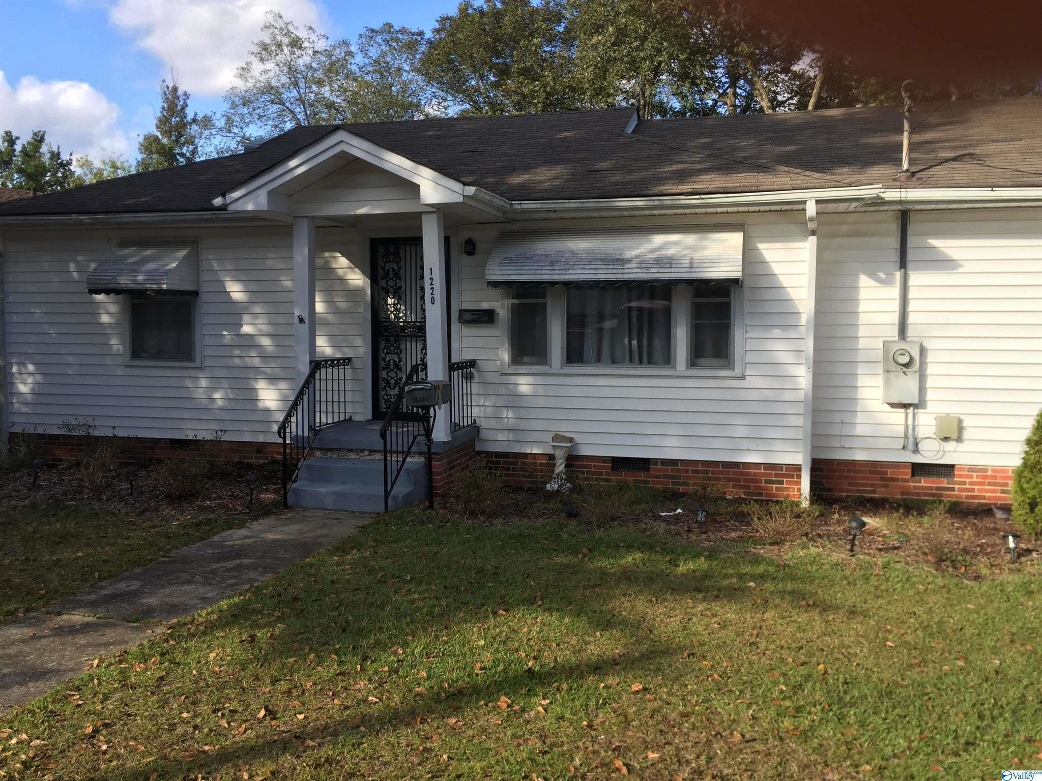 2-Bedroom House In Sheffield Heights