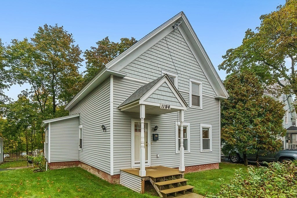 Updated 3-Bedroom House In South Fitchburg
