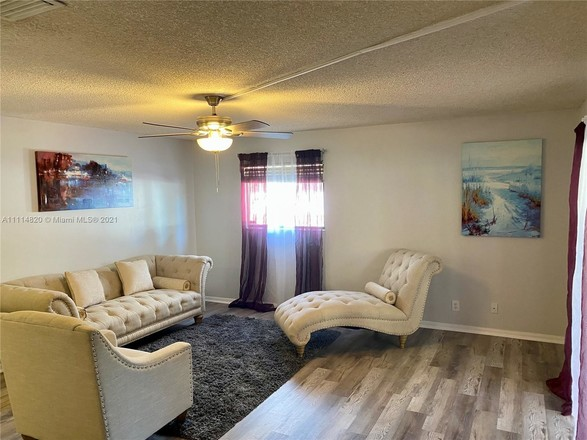 Upgraded 3-Bedroom Townhouse In North Lauderdale Estates