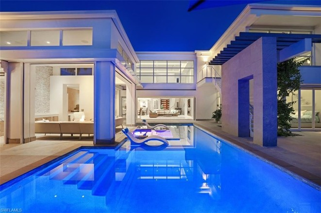 Luxurious 5-Bedroom House In Coquina Sands