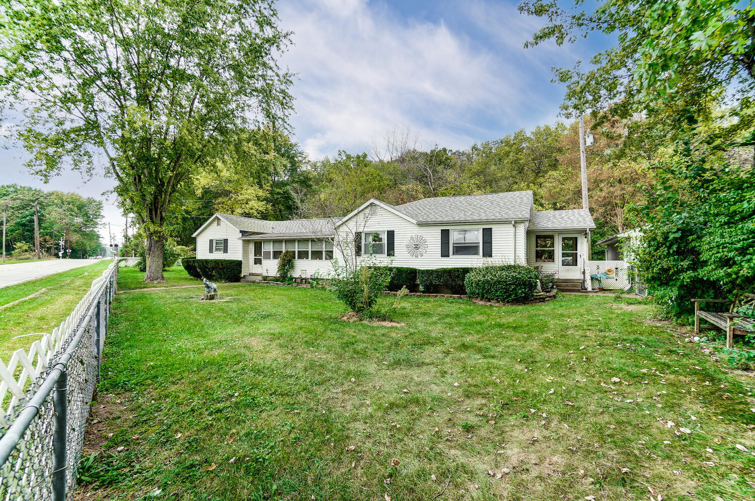Renovated 3-Bedroom House In Springfield