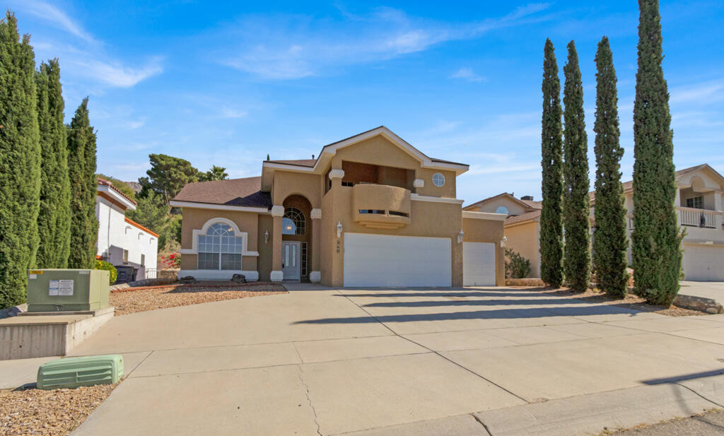 4-Bedroom House In Chaparral Park North