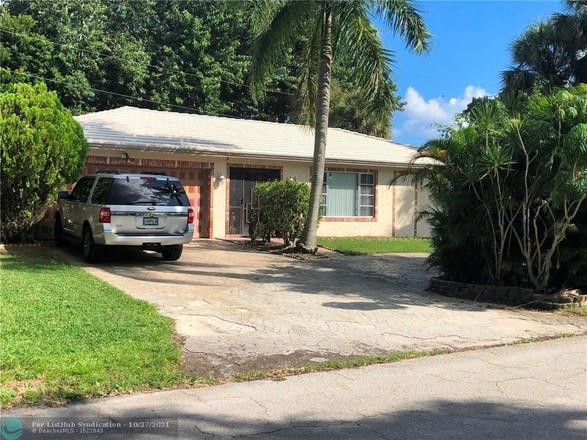 Updated 4-Bedroom House In Tunison Palms
