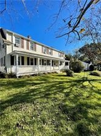 Multi-Family Home In Bald Hill
