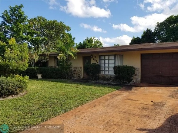 Remodeled 2-Bedroom House In Lauderhill