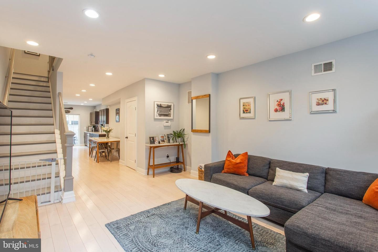 Renovated Private Townhouse