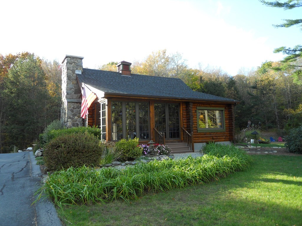 Remodeled 3-Bedroom House In Chester