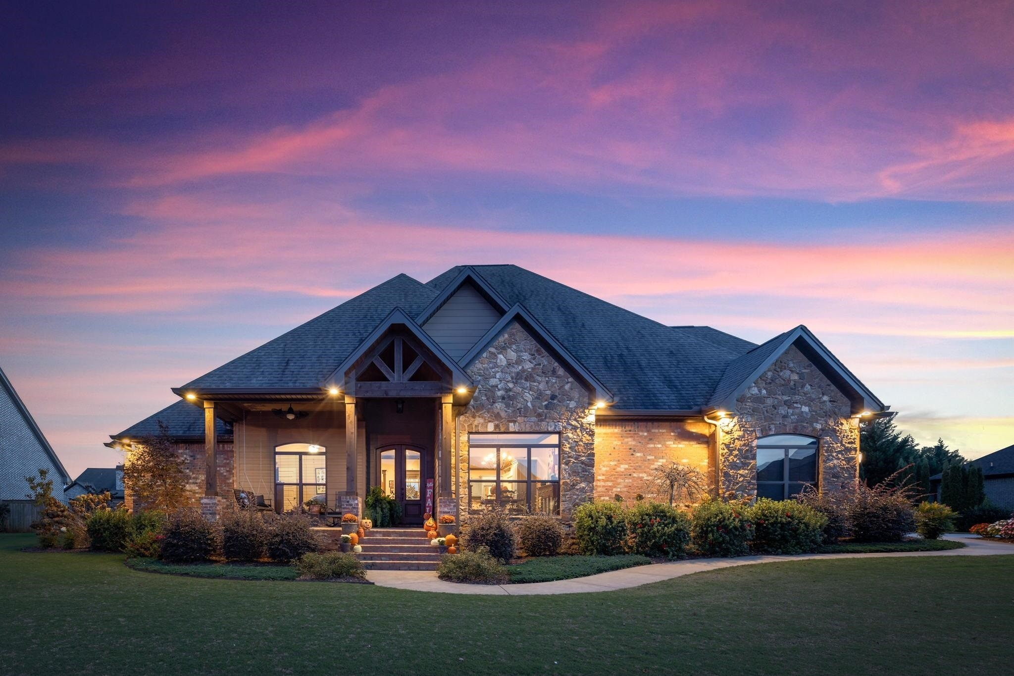 5-Bedroom House In Beacon Pointe