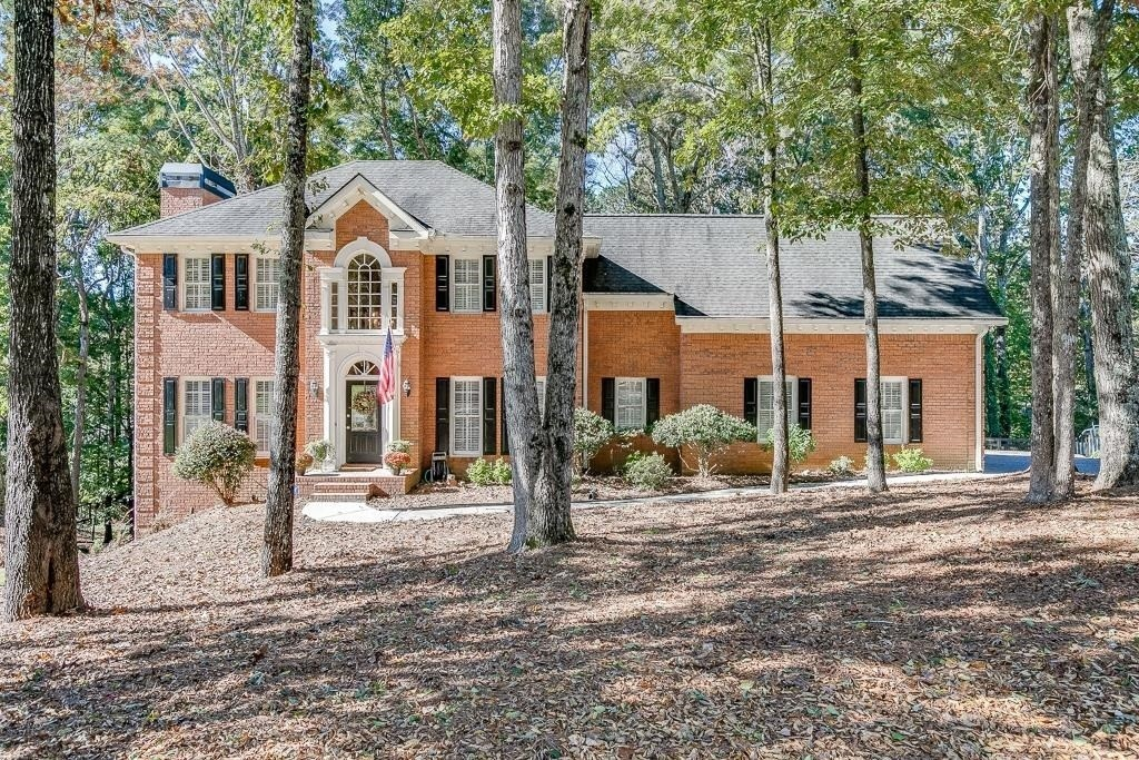 Renovated 4-Bedroom House In Old Peachtree Plantation