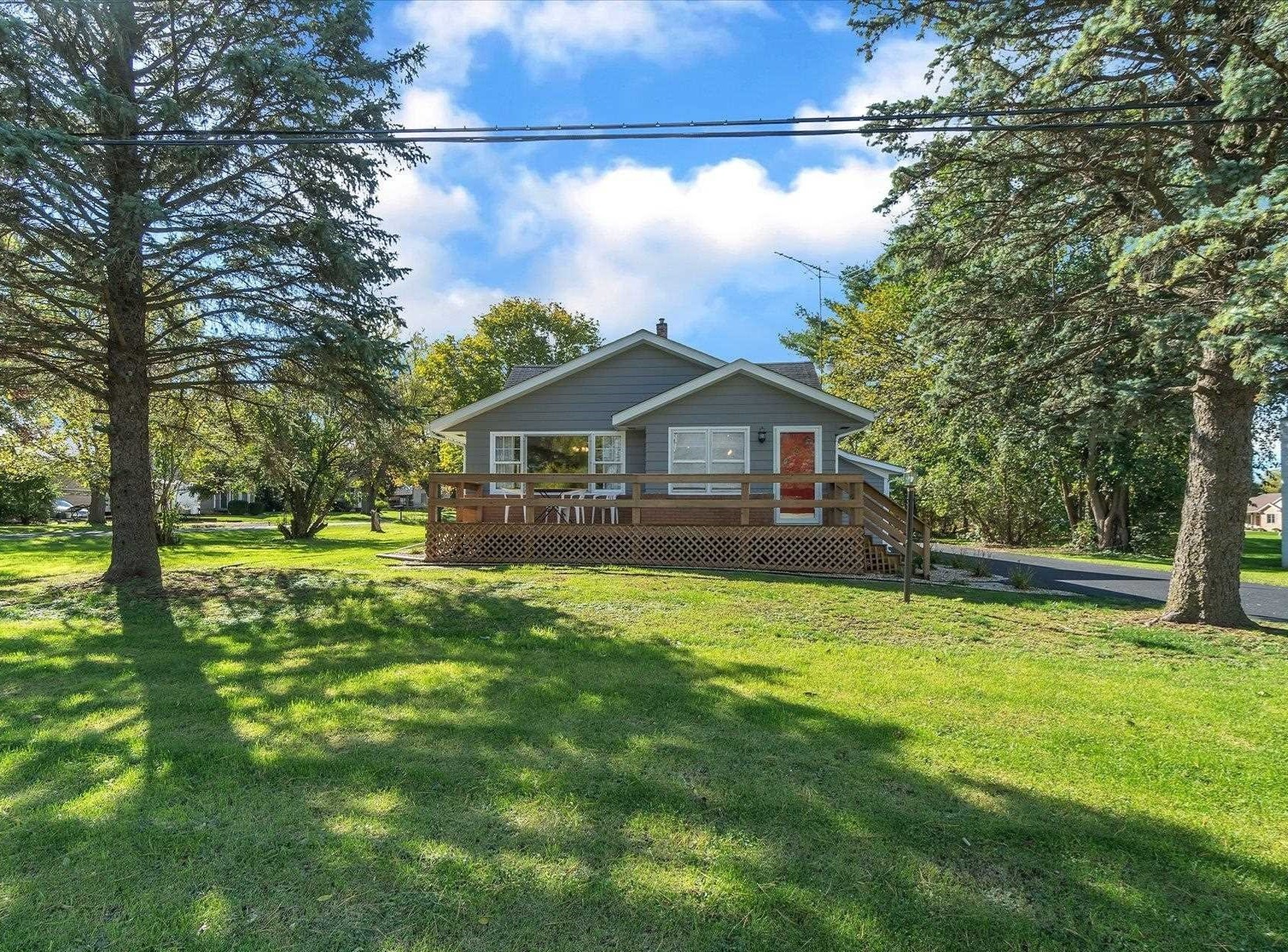 Updated 3-Bedroom House In Caledonia