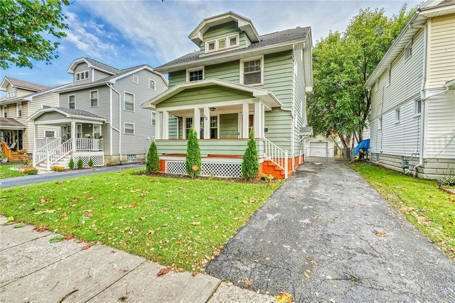 Refinished 3-Bedroom House In 14621 Community