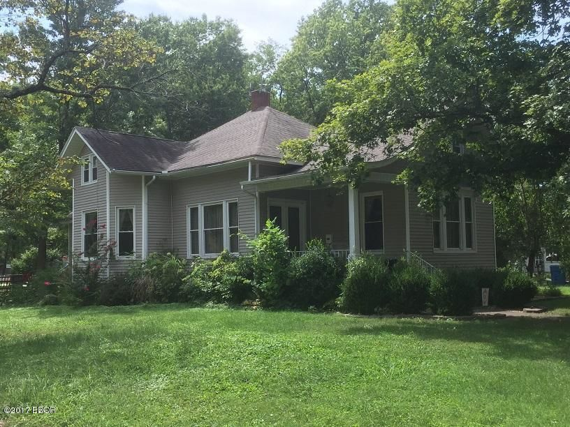 206 WEBSTER STREET Benton IL 62812 id-218847 homes for sale