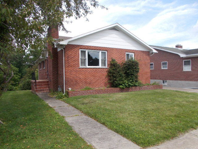 215 EDGEWOOD DRIVE Beckley WV 25801 id-184560 homes for sale