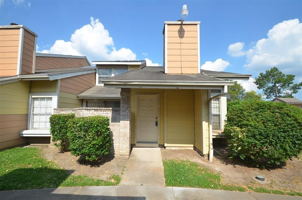 6339 CATTAILS LANE Houston TX 77035 id-1140804 homes for sale