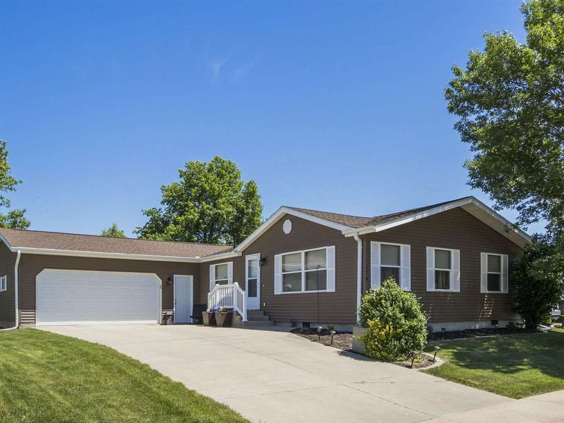 170 PADDOCK CIRCLE Iowa City IA 52240 id-1028522 homes for sale