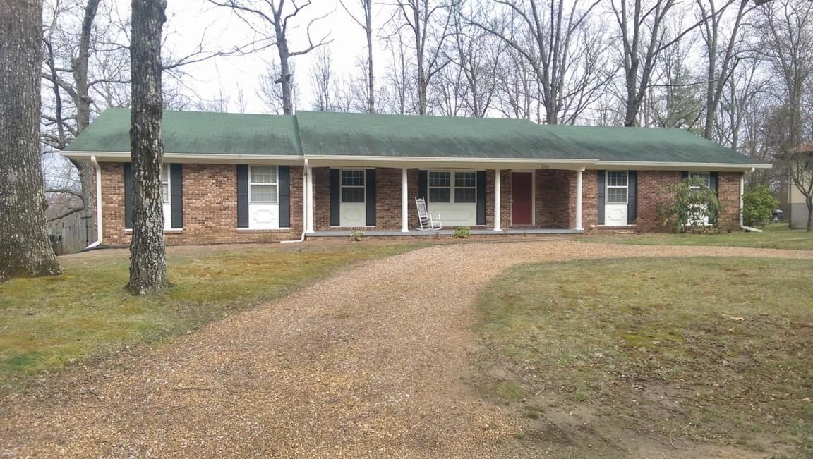 1701 JAMES BLVD Signal Mountain TN 37377 id-717910 homes for sale