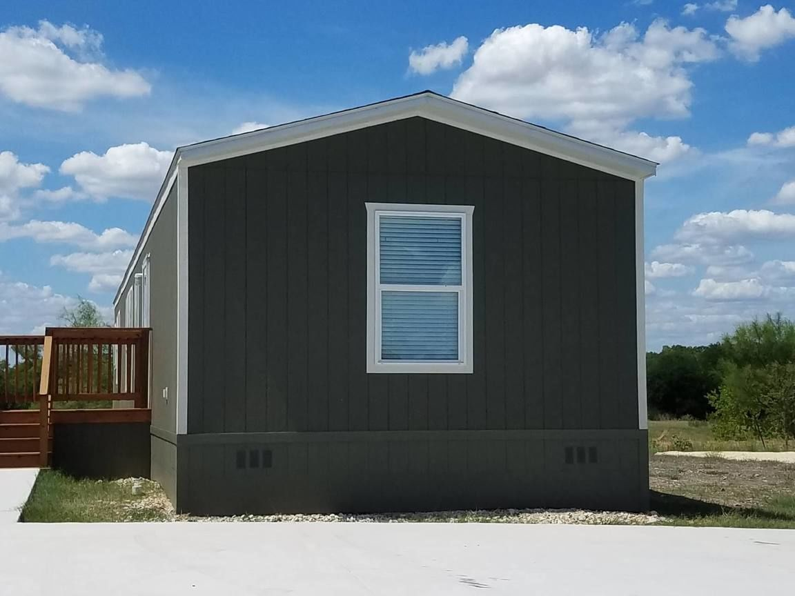 Mobile Homes For Sale | Search Homes.com on mobile homes in kansas, mobile homes tulsa, mobile homes virginia, mobile homes austin, mobile homes wyoming, mobile homes tennessee, mobile homes las vegas nevada, mobile homes in florida, mobile homes delaware, mobile homes san antonio, mobile homes texas, mobile homes tx, mobile homes santa fe, mobile homes detroit, mobile homes mississippi,