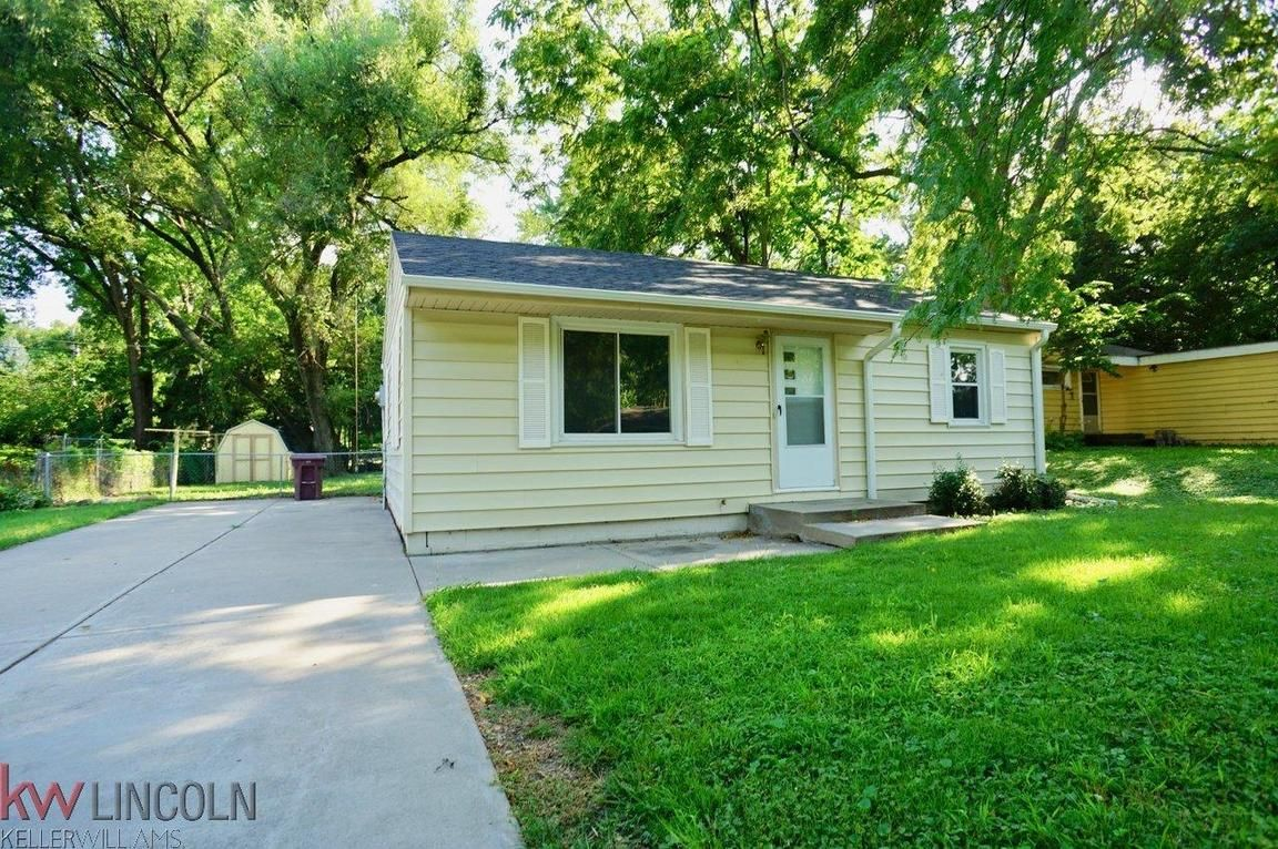 5027 L Street Lincoln Ne For Sale 104 900