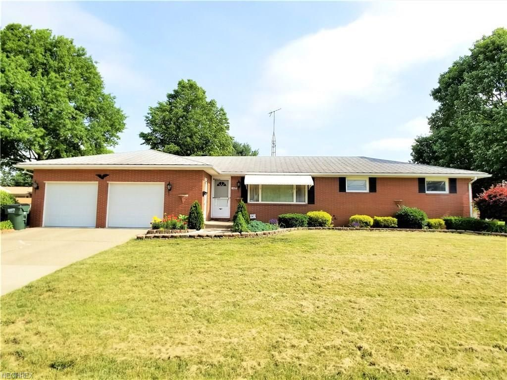1009 VALLEY VIEW DR NORTHWEST North Canton OH 44720 Id 1858795 Homes For  Sale