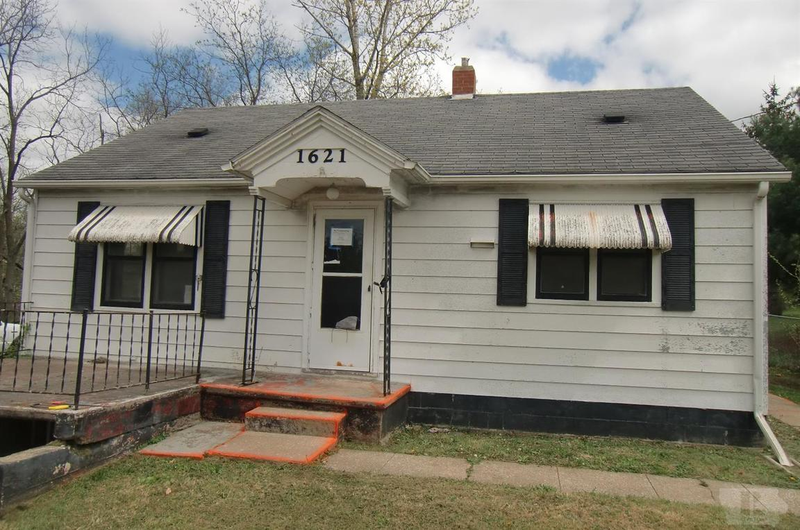 1621 SOUTH MAIN STREET Centerville IA 52544 id-90433 homes for sale