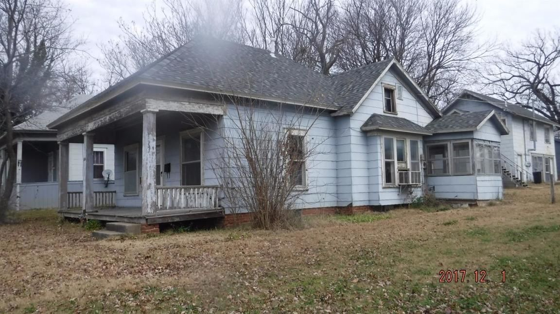 1004 NORTH PENN STREET Independence KS 67301 id-158379 homes for sale