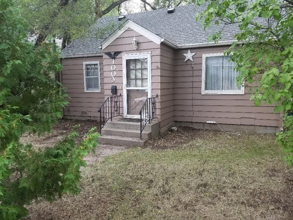 1003 BEACH AVE SE Huron SD 57350 id-1027283 homes for sale