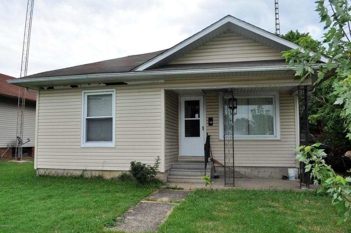 708 THOMAS STREET Christopher IL 62822 id-1270884 homes for sale